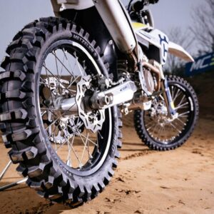 Metzeler MC360 MID HARD Cross 120/100-18 TT — TYŁ
