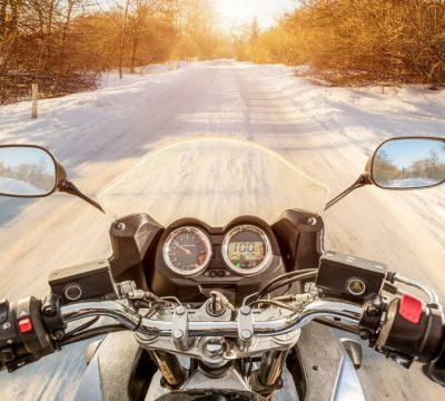Zimowe opony motocyklowe – czy zapewnią nam bezpieczeństwo na śniegu?